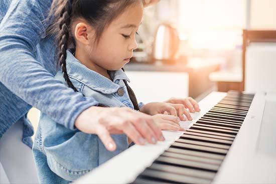 ピアノを子供に教える